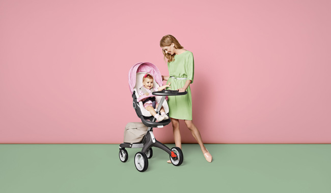 Stokke-Stroller-Summer-Kit-Scribble-Faded-Pink-with-Xplory-Chassis-141113-0586-Beige-Melange-C.jpg