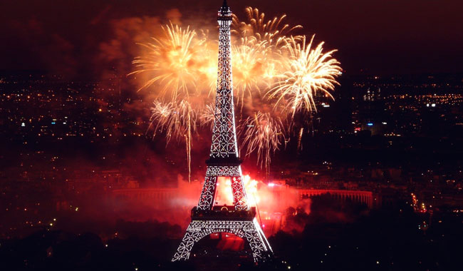 eiffel-tower-paris-fireworks-celebration-happy-new-year-1920x1080.jpg