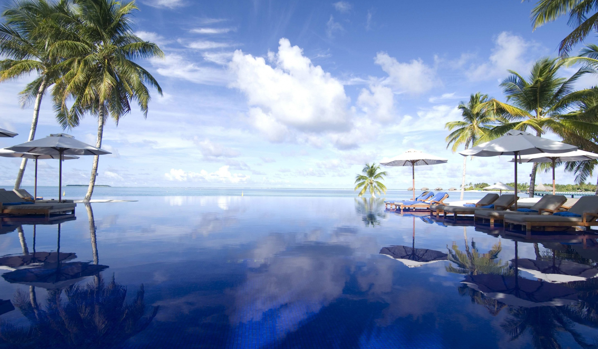 фотошопConrad-Maldives_Infinity-view-pool.jpg