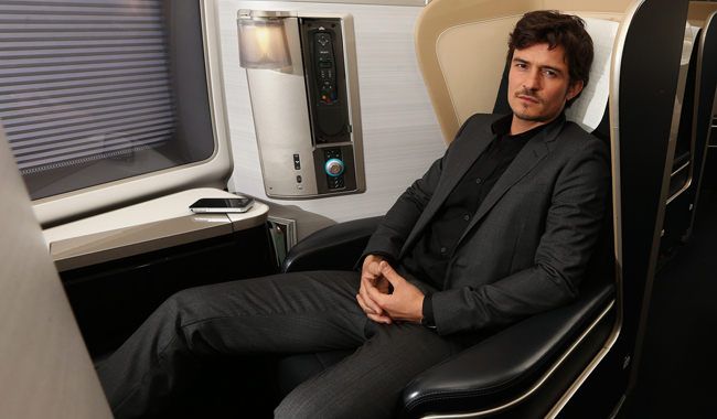 Orlando-Bloom-in-British-Airways-First-class.jpg