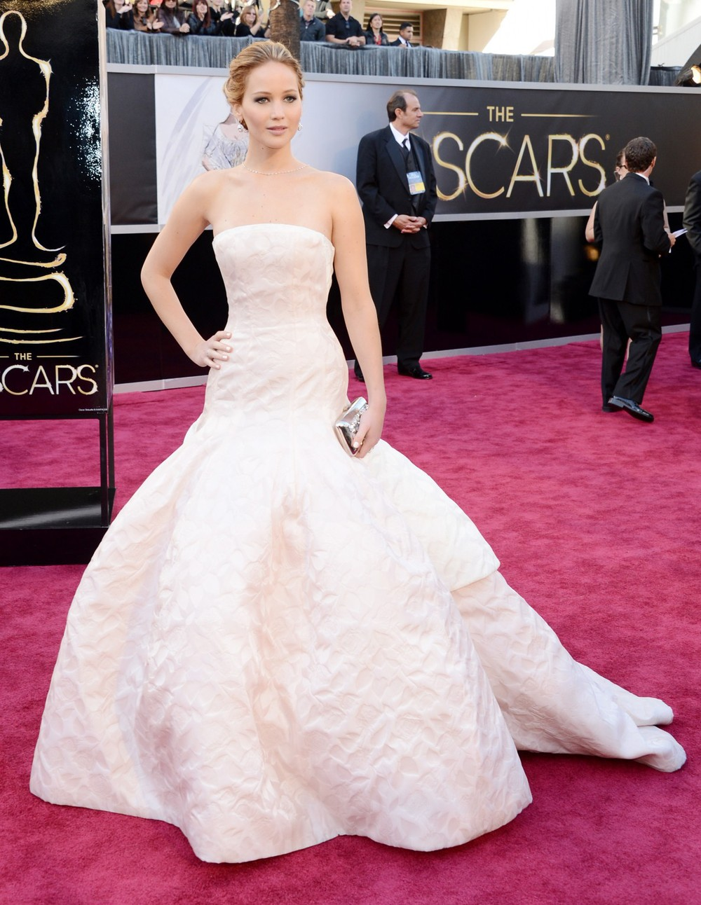 Jennifer-Lawrence-2013-Oscars-Red-Carpet-Dresses.jpg