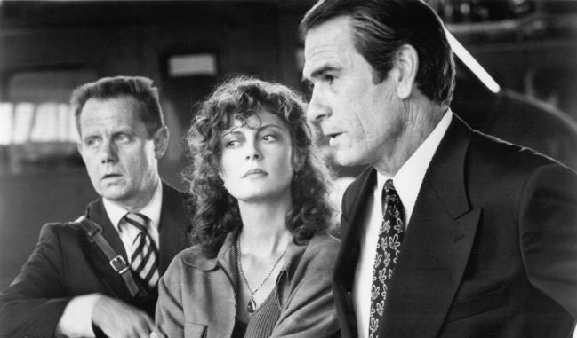 still-of-tommy-lee-jones-susan-sarandon-and-william-sanderson-in-the-client-(1994)-large-picture222.jpg