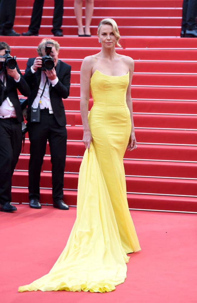 hbz-cannes-2015-charlize-theron-1.jpg