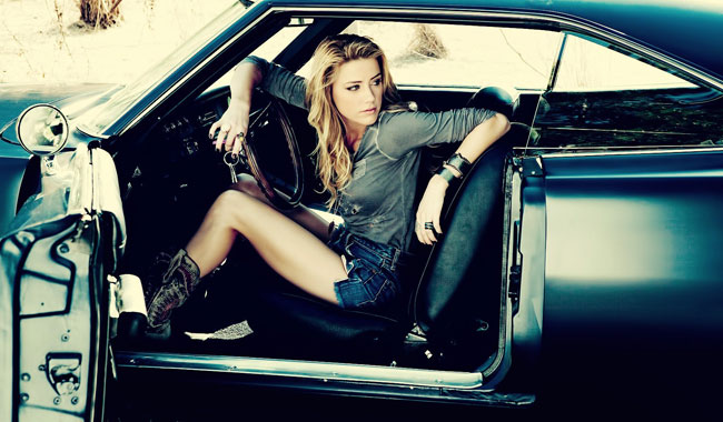 amber-heard-blonde-actress-wallpaper-1680x1050.jpg